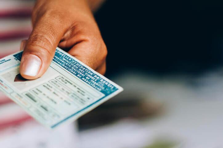 Como validar a carteira de motorista fora do país