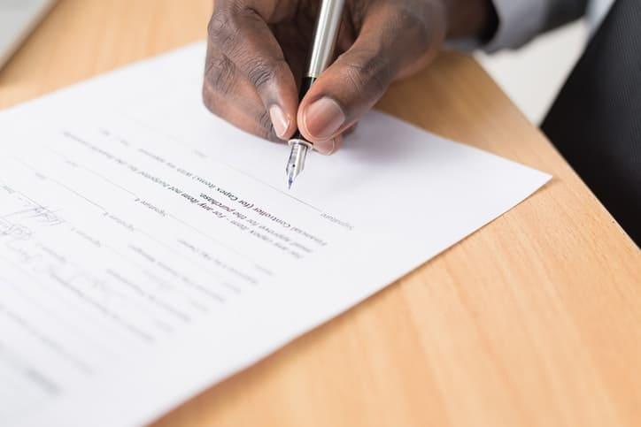 Entenda sobre a tradução jurídica para negócios