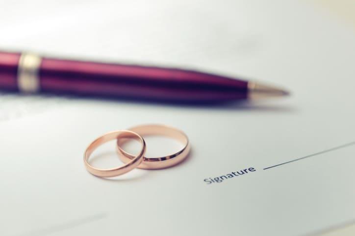 Entenda a tradução juramentada para certidão de casamento